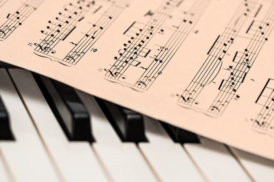 how to teach group piano