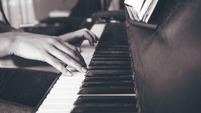 piano wedding business
